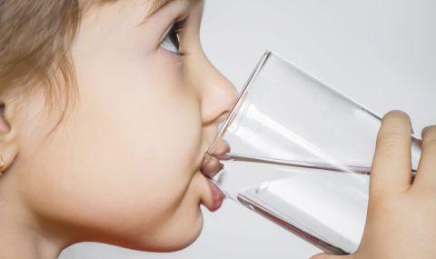 Деца са с чернодробна недостатъчност след пиене на алкална вода в САЩ