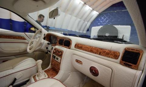 """Продава се """"Волга"""" с крокодилска кожа в салона. Цена - €50 000"""