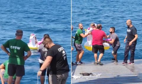 Късмет: Ферибот спаси 5-годишно момиче, след като морето го отнесе навътре
