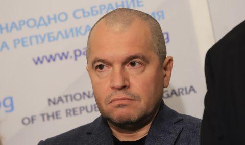 Тошко Йорданов и Хаджигенов с 300 лева глоба, не носели маски в НС - 1
