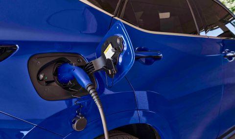 Lexus показа обновения NX с първото за марката plug-in хибридно задвижване - 16