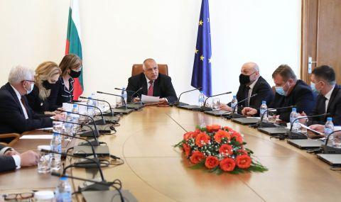"""Борисов: България ще получи 750 000 допълнителни дози от ваксината на """"Пфайзер"""""""