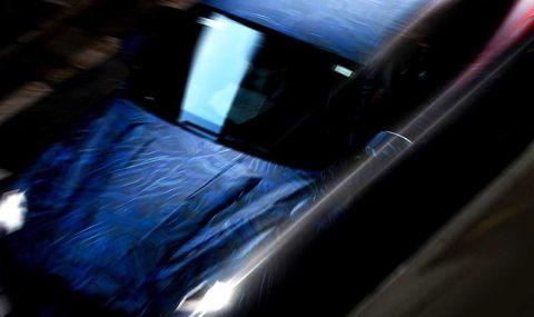 Maserati показа ново SUV в противоречиви снимки - 6