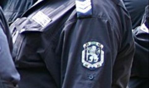 """Жена блъсна служител на """"Напоителни системи"""", докато бяга от полицията"""