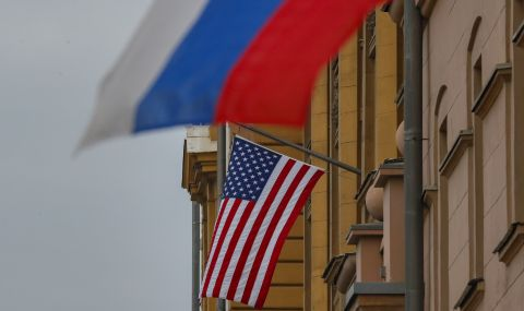 Американското посолство в Русия възобновява консулските услуги