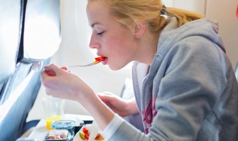 Близо 40% от пътниците са готови да си доплащат за храна