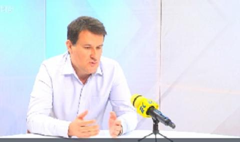 Милен Любенов: Борисов закъсня с оставката