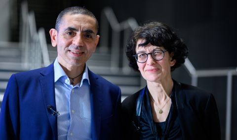 Йозлем Тюреджи е известен учен, но за Ердоган тя е само жена на мъжа си