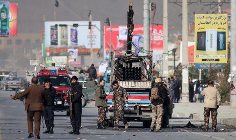 Ракетен обстрел в Кабул преди ключови преговори