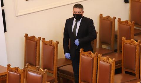 БСП припомни на Данаил Кирилов да подаде оставка