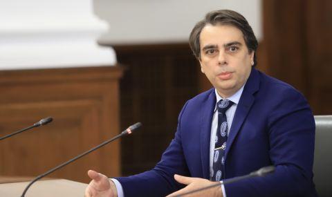 Финансовият министър защити шефа на НАП: Спецов не е участвал в данъчни измами