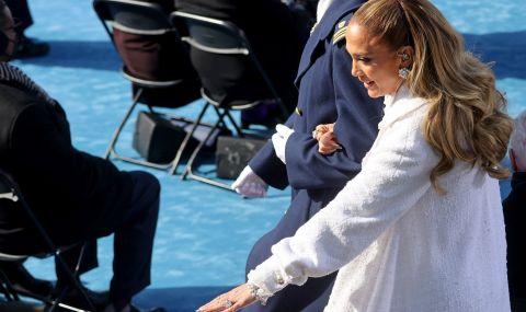 Дженифър Лопес отново облече булчинска рокля (СНИМКА)