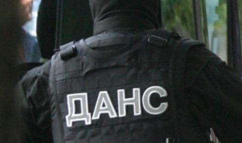Много арестувани при спецакция в Бургас