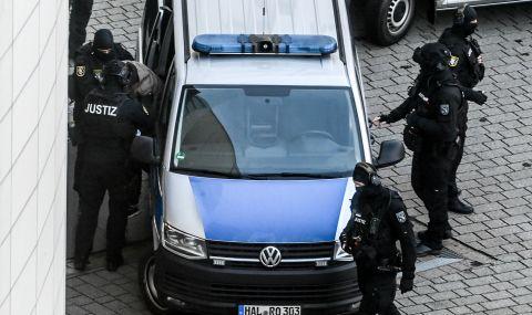 Пир по време на чума: Полицията щурмува детски рожден ден, гостите се крият в тоалетната