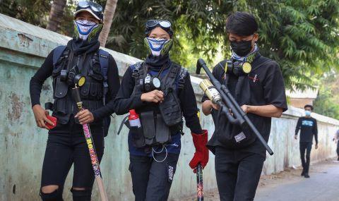 Петима протестиращи бяха застреляни от военната хунта