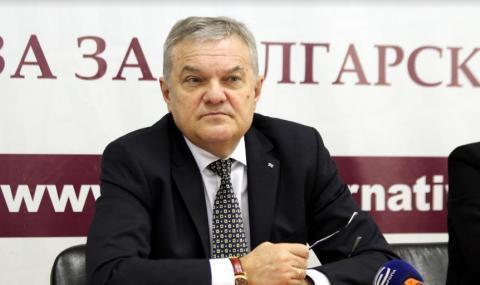 Румен Петков с нова порция унищожителни критики към Щаба