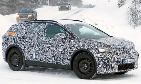 Audi подготвя по-малък и същевременно по-просторен кросоувър от Q5