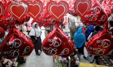 В Пакистан забраниха деня на влюбените - 1