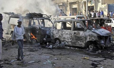 Бомбен удар в сърцето на Сомалия