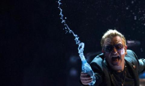 Боно без глас, U2 прекъсна концерта си в Берлин