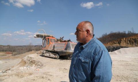 Борисов: Трудно се строят магистрали, затова има само до Правец (ВИДЕО)