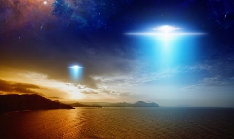 Камери на МКС заснеха извънземни кораби (ВИДЕО)