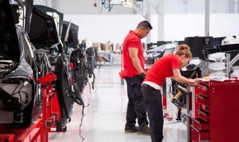 Само тази година кризата с чипове може да коства близо 180 милиарда евро на автомобилната индустрия - 1
