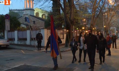 Арменците във Варна с факелно шествие за годишнината от геноцида