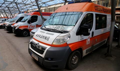 Шестима пострадаха в тежка катастрофа до Момчилград