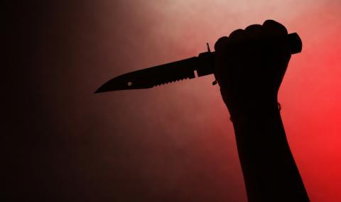 Наръгаха с нож най-издирвания престъпник