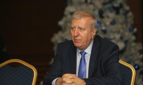 Александър Томов: Решението за свалянето на ДДС за ресторантите е грешно от А до Я