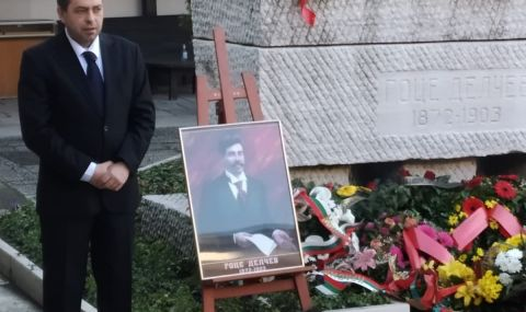 Българският посланик поднесе венец на признателност на гроба на Гоце Делчев