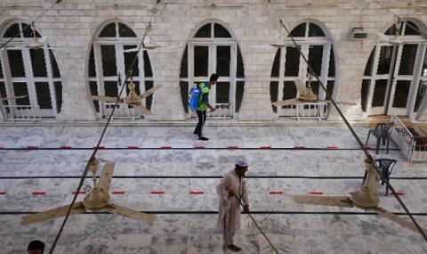 Рияд смекчава мерките срещу Covid-19 заради Рамазана