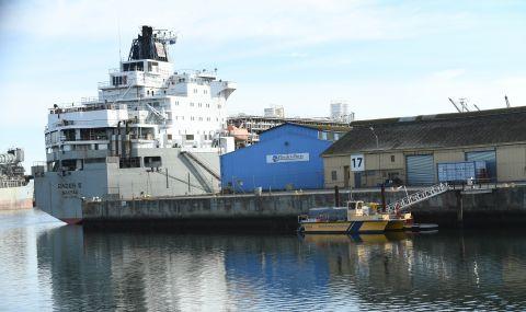 Товарен кораб с българи на борда поиска помощ в Австралия заради предполагаемо огнище на COVID-19