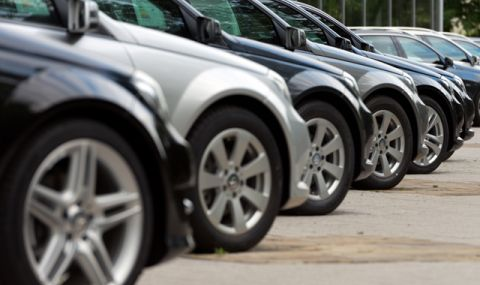 Шефовете на Mercedes, BMW и VW: Дефицитът на чипове в автомобилната индустрия ще продължи до 2023 г - 1