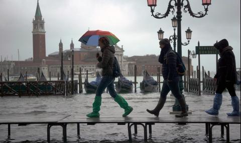 Масова евакуация във Венеция заради бомба