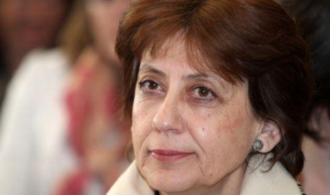 Ренета Инджова: ГЕРБ се сриват, плашат и манипулират с пандемията