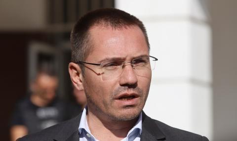Джамбазки: Пандемията показа, че можем без чиновници