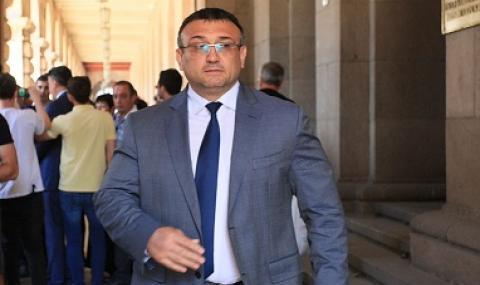 Вътрешният министър: Фирмата, в която Бойков работи, отказва съдействие