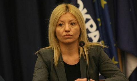 Цецка Бачкова: Политиката също е работа