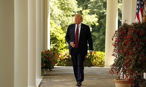 Тръмп най-после се разчувства: Достигнахме много тъжен праг!