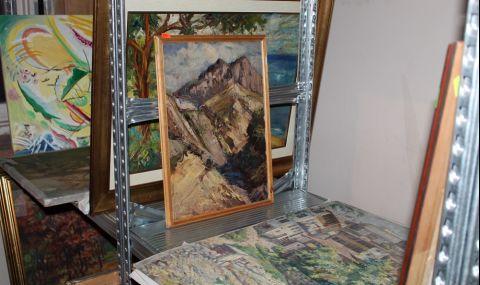 Иззеха картини и графики от апартамента на Васил Божков (СНИМКИ)