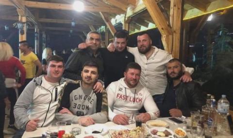 Кметът на Скобелево на купон въпреки забраната