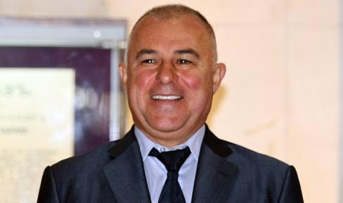Зелените спечелиха първия кмет в България - Апостол Апостолов в Симитли