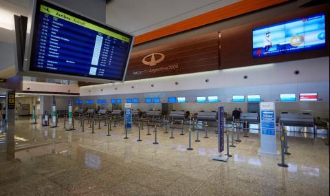 Без продажба на самолетни билети до 1 септември