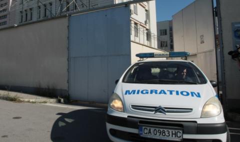 Заловиха бежанци в хладилен камион с дини
