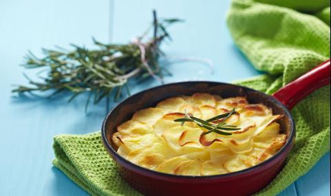Рецепта за вечеря: Сочни картофи с розмарин
