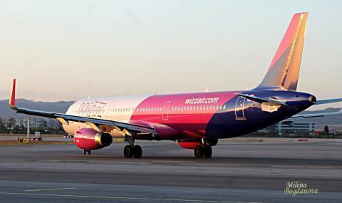 Още спрени полети от България