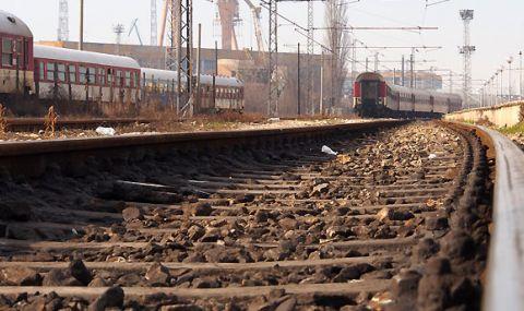 Дерайлираха пет вагона от товарен влак край Бобошево - 1