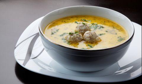 Рецепта за вечеря: Супа топчета със застройка - 1